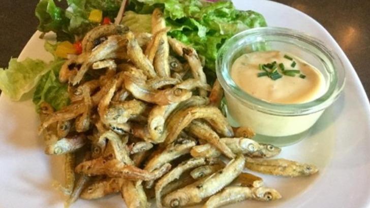 au-restaurant-de-riviere-a-gurgy-friture-de-poissons