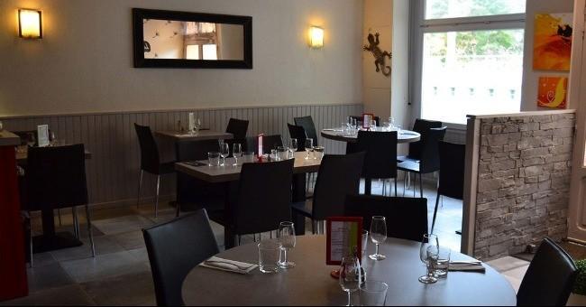 restaurant-chalet-a-saint-mars-jaille-salle-a-manger