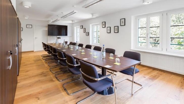 restaurant-granges-a-dardagny-une-salle-de-seminaire-a-disposition-pour-toutes-vos-reunions