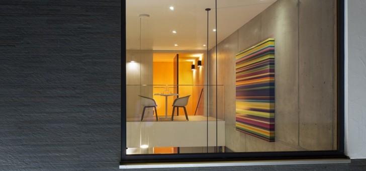 design-leche-de-etablissement-maintient-un-aspect-urbain-et-industriel
