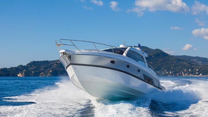 luc-e-sail-reparation-et-depannage-de-bateaux-et-navires-maintenance-nautique-cours-de-voile-a-carte-de-nombreuses-prestations-pour-satisfaire-vos-besoins