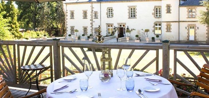 restaurant-table-du-boisniard-du-chateau-de-boisniard-a-a-chambretaud-terrasse