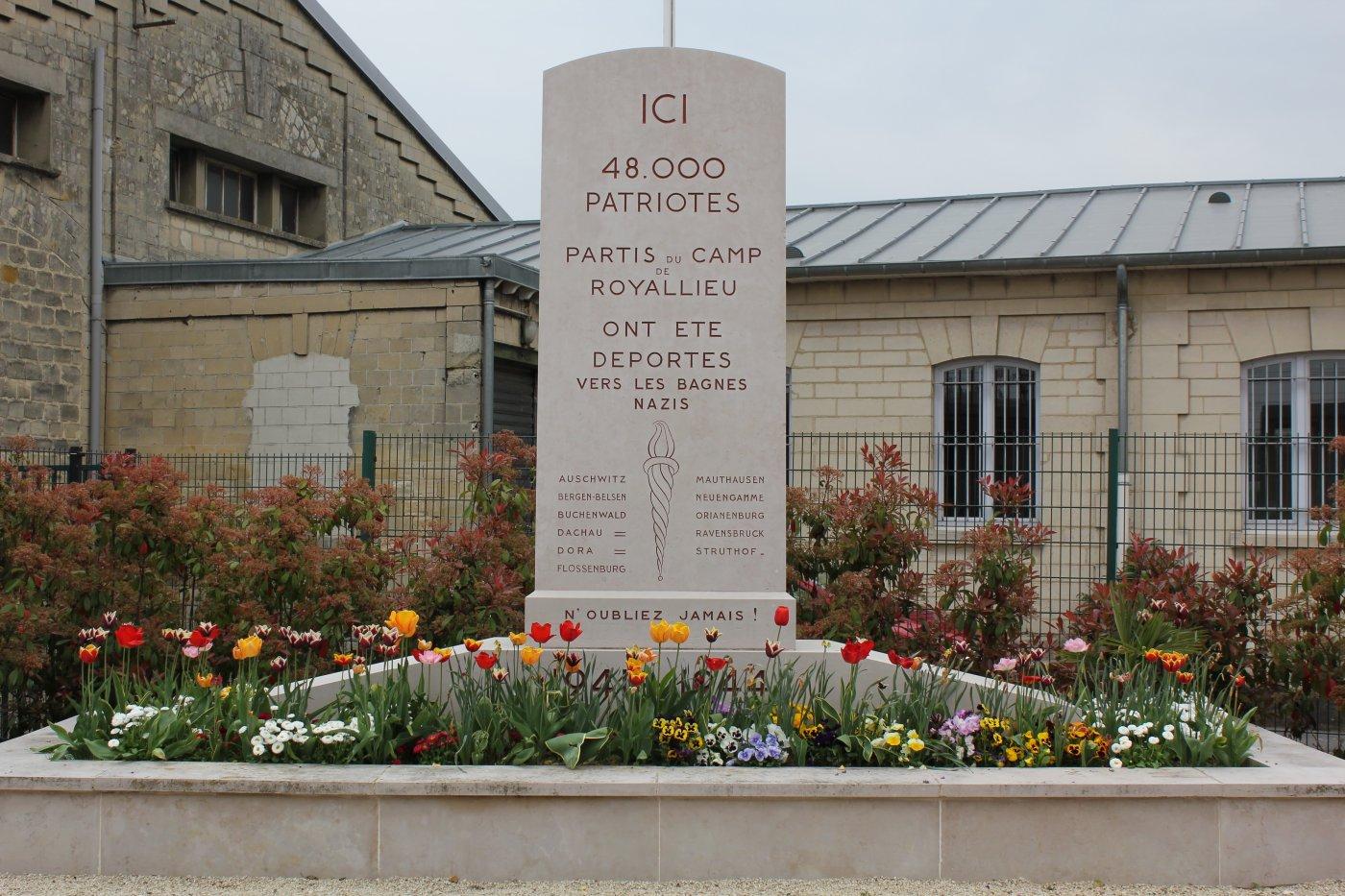 memorial-du-wagon-de-deportation-pour-ne-jamais-oublier-victimes-des-nazis
