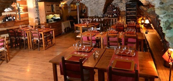 restaurant-de-montagne-caribou-a-serre-chevalier-monetier-bains-dans-hautes-alpes-table-et-cuisine-montagnarde