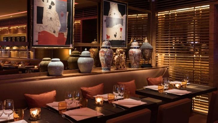 restaurant-u-a-paris-savourez-delices-d-une-cuisine-franco-thailandaise-ici-un-cadre-raffine-signe-pierre-yves-rochon
