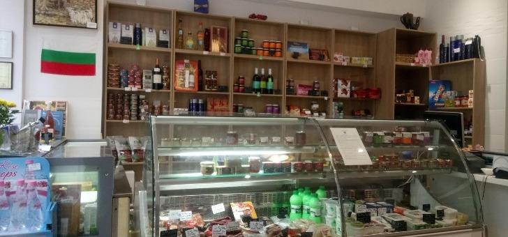 restaurant-pisanov-a-paris-une-epicerie-fine-a-entree-du-restaurant