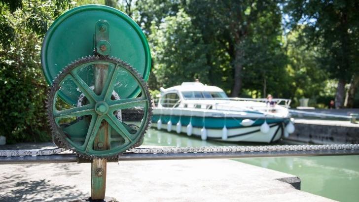 inter-croisieres-des-bateaux-concus-pour-offrir-un-maximum-de-confort-et-d-autonomie-a-bord