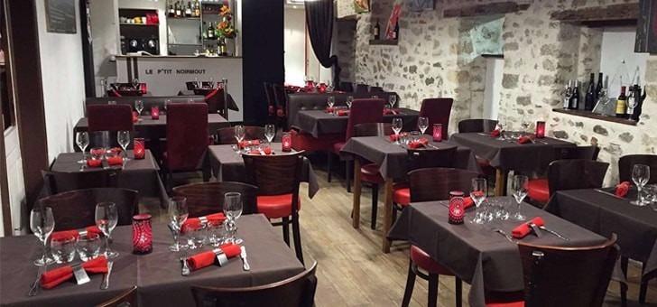restaurant-p-tit-noirmout-a-noirmoutier-ile-salle-a-manger-ambiance-produits-de-mer